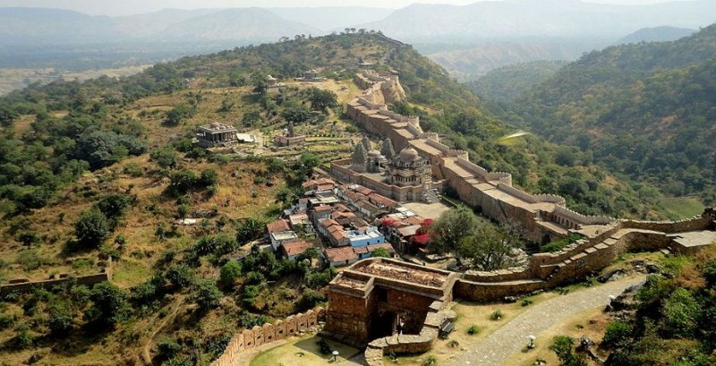Aerial view of Kumbhalgarh fort wall