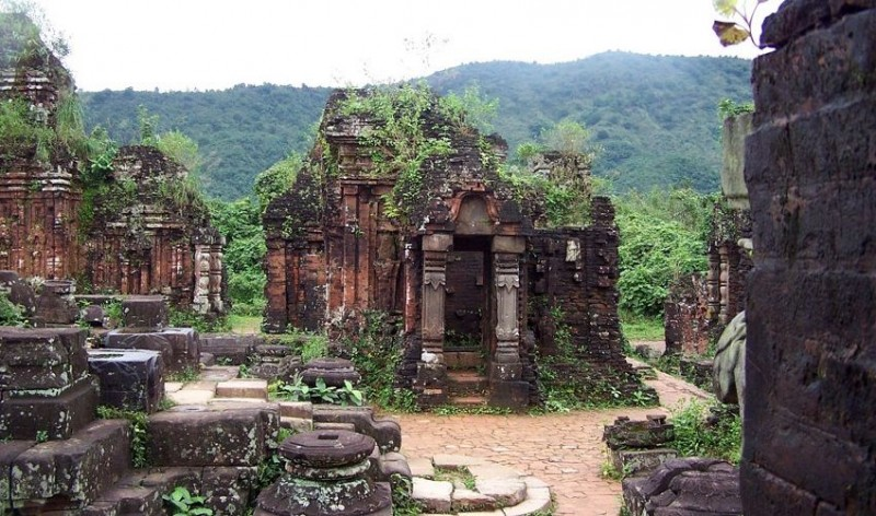 Ruins of My Son Hindu temple in Vietnam (7)