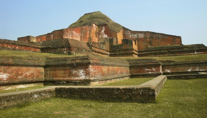 Ruins of Bhuddist Bihara Somapura Mahavihara