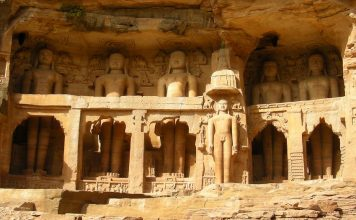 Jain statues at Gwalior