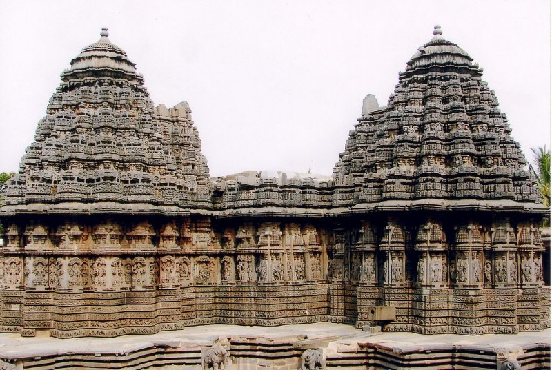 Vesara style of Keshava Temple, Somanathapura. Towers are in 16 pointed star plan.