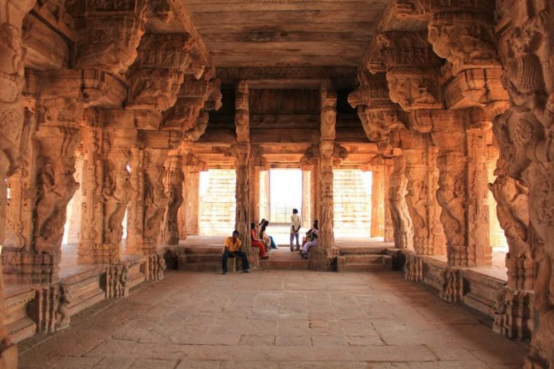 Ornately decorated mandapa of Madhavaraya temple at Gandikota