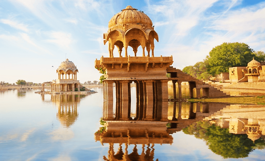 Gadisar Lake - Top Tourist Attractions to Visit in Golden City of Jaisalmer