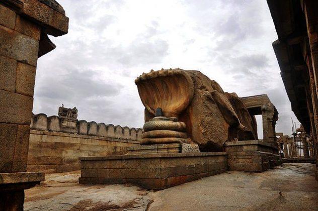 Naga Lingam Lepakshi Temple