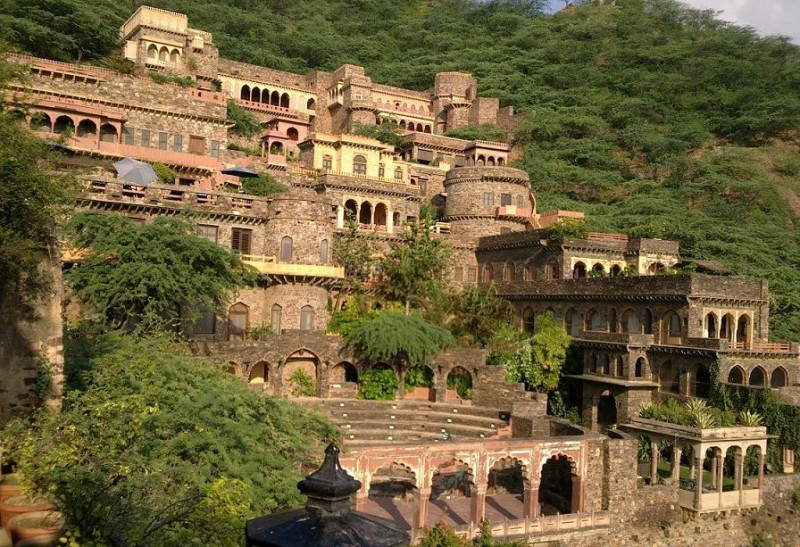 Neemrana Fort of Prithviraj Chauhan Descendents