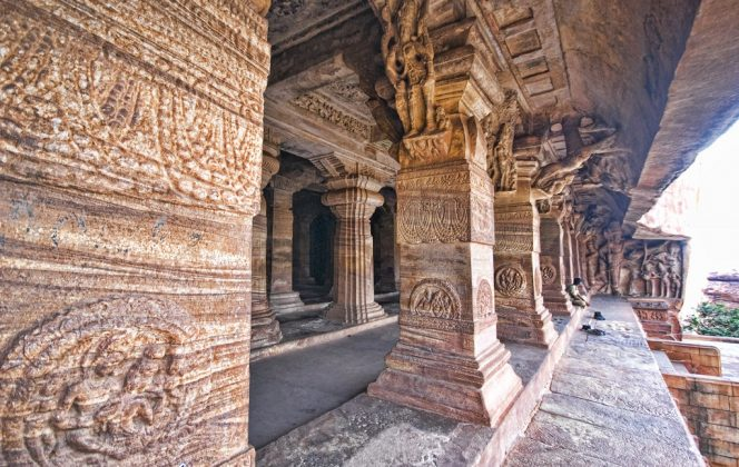 Pillars, Cave Temple 3